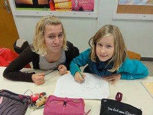 les élèves dessines pour le concours